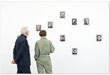 Ausstellungsansicht aus der Ausstellung »Dora« im universal cube | © Sebastian Kissel