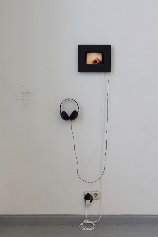 Raluca C.E. Blidar, o.T. (female history), Super 8 übertragen in HD, 2014. Raluca C.E. Blidar, untitled (female history), Super 8 transferred in HD, 2014.