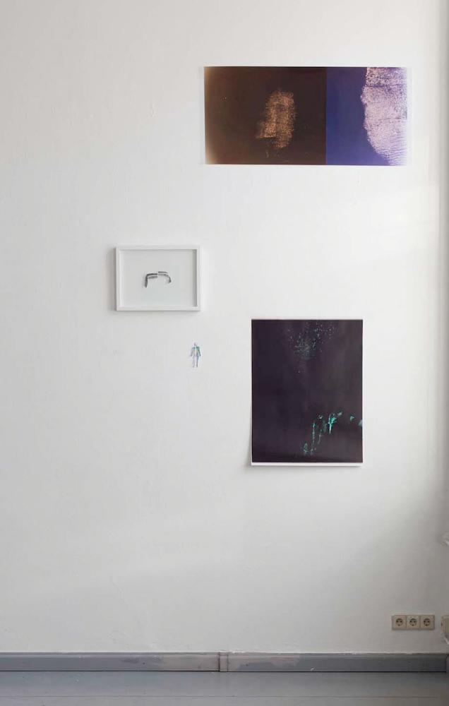 Barbara Proschak, Aus InToto: SW-Kopien gerahmt, 30 x 40 cm, Farbkopie, 5 x 10 cm, Color Handabzug 50 x 90 cm, Color Handabzug, 60 x 80 cm, 2013/2014. Barbara Proschak,From InToto: BW-Copy framed, 30 x 40 cm, Colorcopy, 5 x 10 cm, Colorprint 50 x 90 cm, Colorprint, 60 x 80 cm, 2013/2014.
