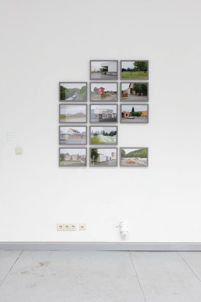 Benno Sattler, Gebäude, Landschaft mittig, Pigmentdrucke, gerahmt, 30 x 20cm, 2014. Benno Sattler, Buildings, Landscape centircal, Inkjet print, framed, 30 x 20cm, 2014.