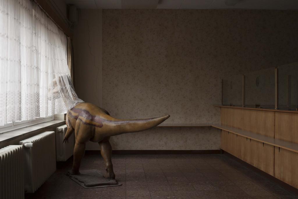 Installation_view_DINO_interior_Memorial_Marienborn_Carsten_Saeger
